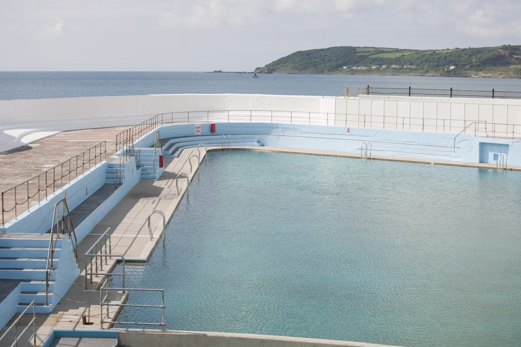 Guide To Bathing Spots And Outdoor Swimming Pools In Cornwall