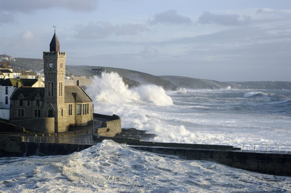 Cornwall in Winter, Storm Watching