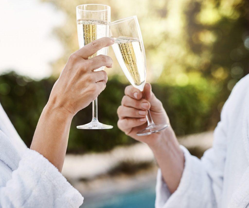 St-Ives-Spa-Break-Cheers